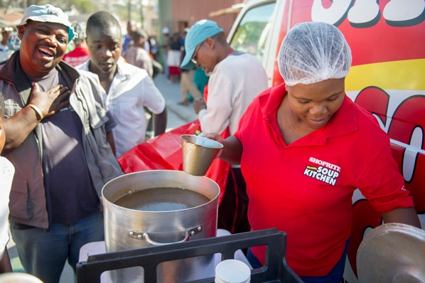 The Shoprite Mobile Soup Kitchen #ActForChange in Imizamo Yethu